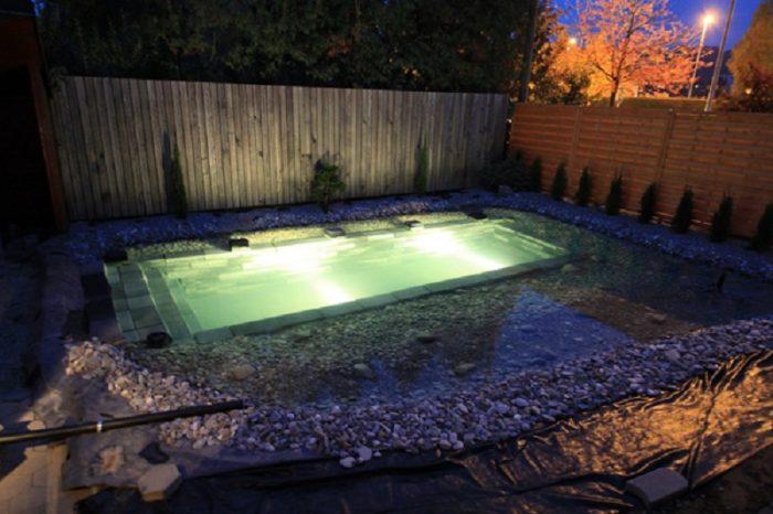 Ночное освещение бассейна