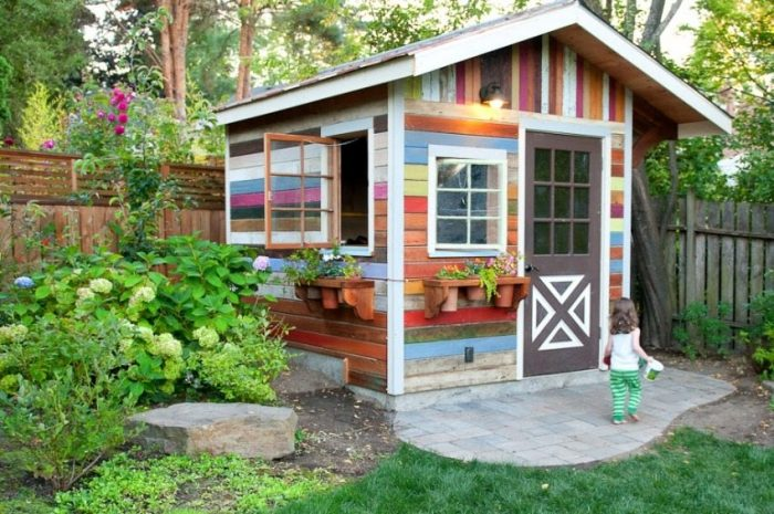 Покраска летнего домика